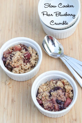 Slow-Cooker-Pear-Blueberry-Crumble-