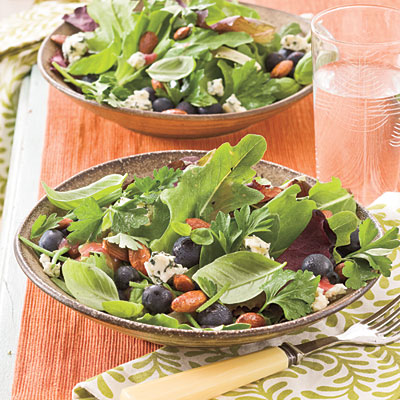 blueberry-gorgonzola-salad-Southern-Living