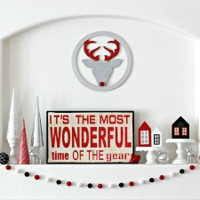 christmas-wonder-mantel-square