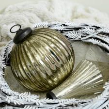 christmas-mantel-mercury-glass-ornaments