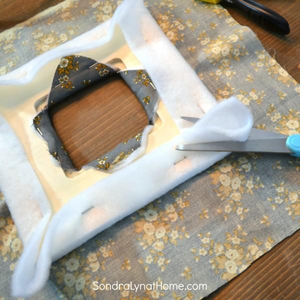 DIY Fabric Photo Frame - clipping corners- 736x7