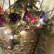 decorating-a-vintage-oil-bucket