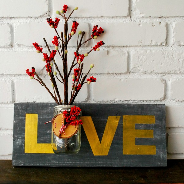 Love-Mason-Jar-Holder-Sign-for-the-Holidays-and-All-Year-The-Silly-Pearl