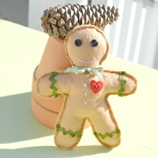 gingerbread-boy-from-cottage-at-the-crossroads