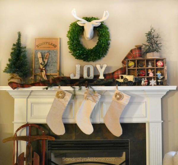 20-Minute Christmas Mantel - - Sondra Lyn at Home