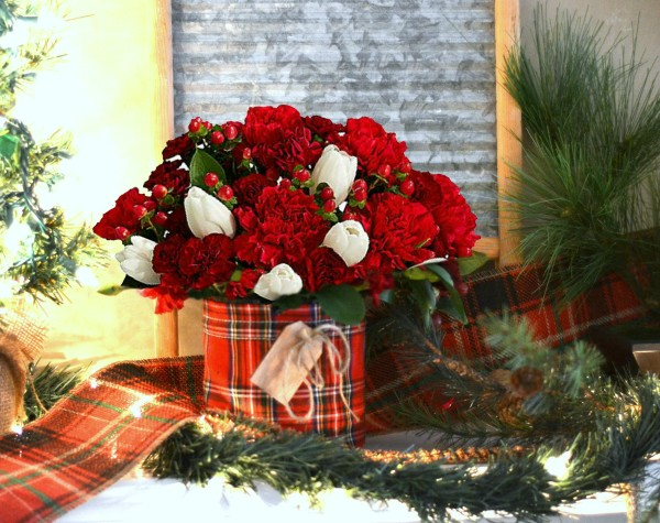 ProFlowers Christmas Centerpiece -- Sondra Lyn at Home