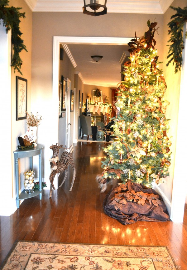 Christmas Home Tour- Foyer-Sondra Lyn at Home