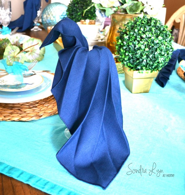 Summer Home Tour- Peacock Napkin Fold-Sondra Lyn at Home