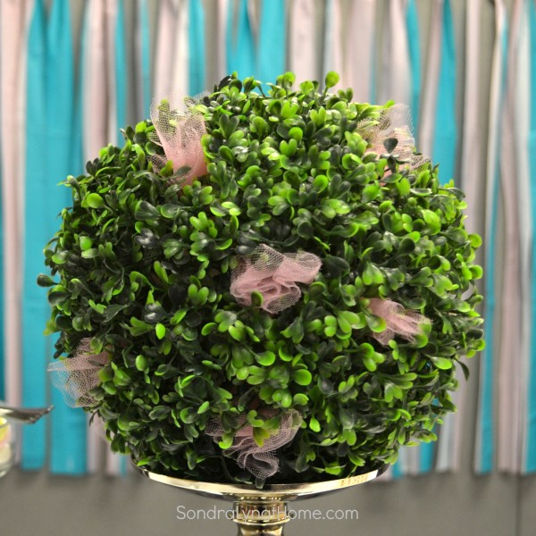 Shower Backdrop- Boxwood Ball - Sondra Lyn at Home