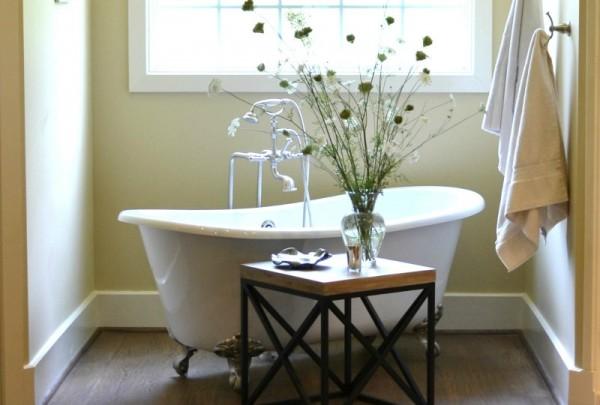 Farmhouse Bath - Sondra Lyn at Home