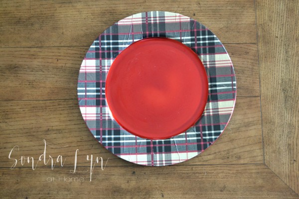 DIY Plaid Chargers- Crafting with Hallmark and Sondra Lyn at Home
