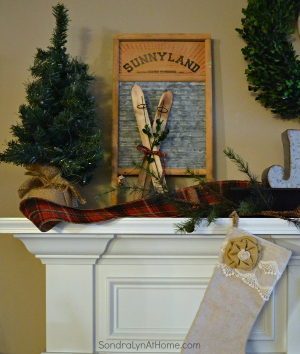 20-Minute Christmas Mantel -- Sondra Lyn at Home