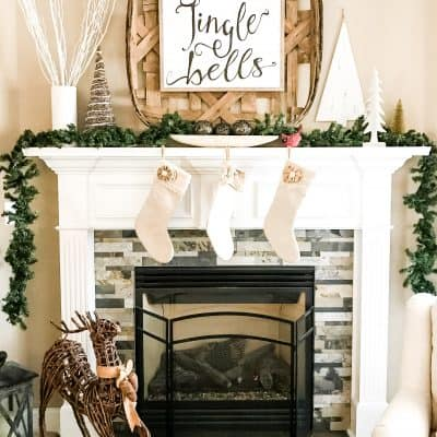 Easy Farmhouse Christmas Mantel